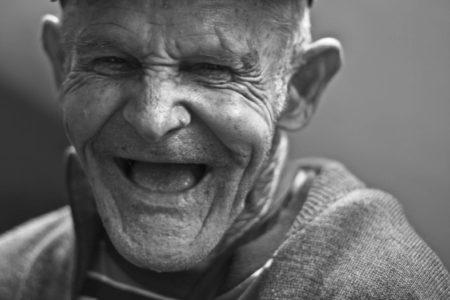 Wieso gibt es eigentlich Alterssichtigkeit?