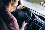 Autofahrerbrillen-Armaturenbrett