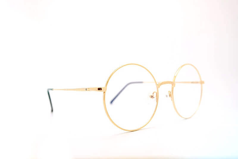 Brillentrends - Metallbrille mit Goldrand