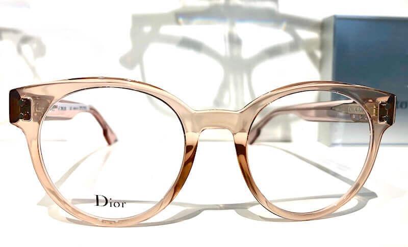 Brille-2020-transparente-damenbrille-zartrosa-dior