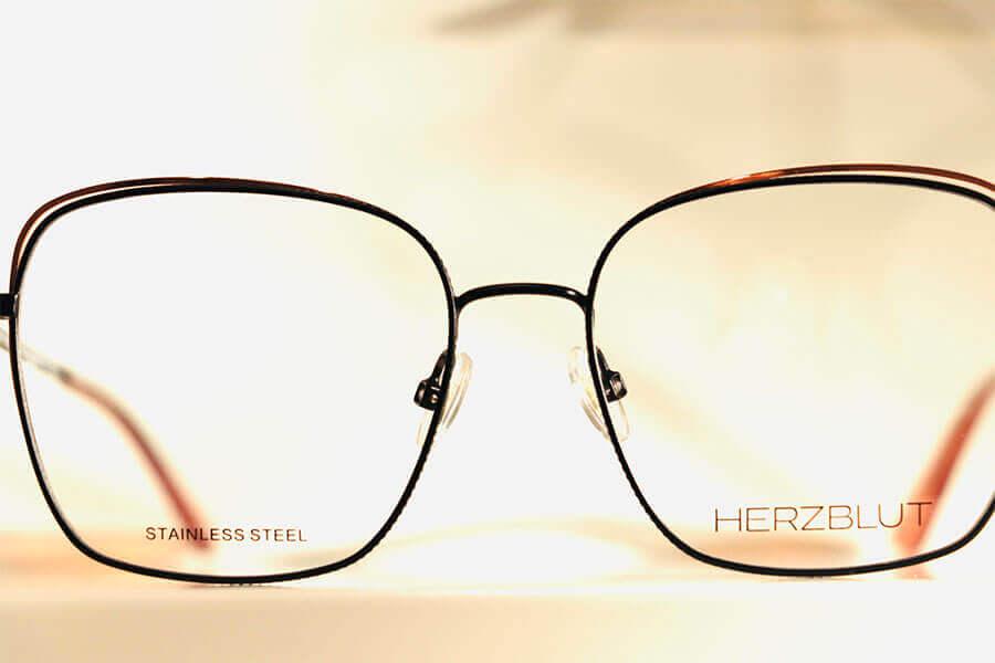 Schöne Brillen - Herzblut